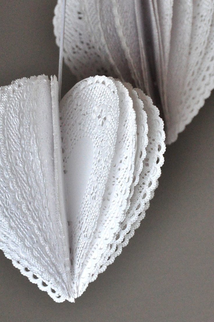 Aesthetic Nest: Craft: Heart Doily Poms (Tutorial)
