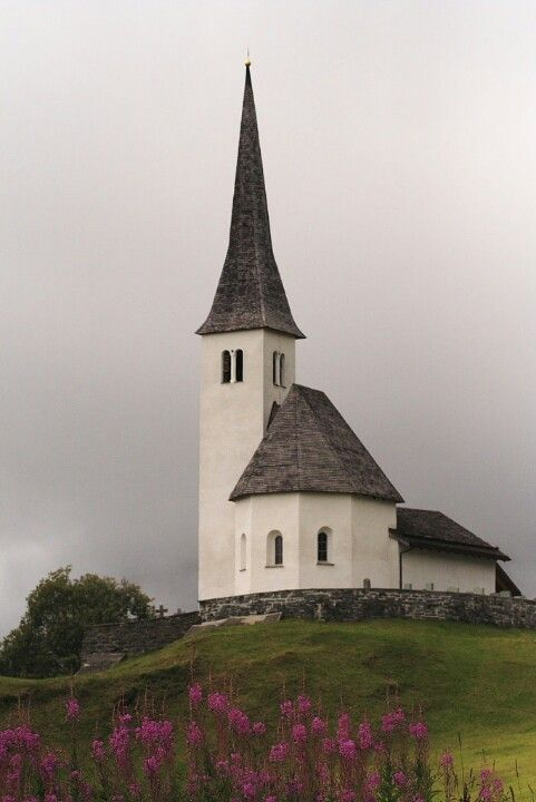I love this little Church! Wish I knew where it was located~❥