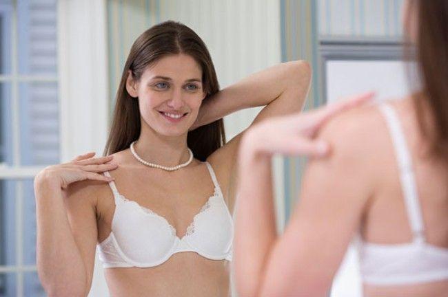 Dampak Buruk Kalau Memakai Bra Salah Ukuran   Bra tak hanya baju yang dapat bikin wanita tampak seksi. Lebih dari itu, bra memili manfaat untuk menyokong payudara supaya tak bergerak bebas. Bra memberi perlindungan untuk payudara supaya tidak kendor serta terus indah pada posisinya. Cuma saja, sekarang ini ada trend kenakan bra untuk maksud...  Sumber : http://www.kioopo.com/dampak-buruk-kalau-memakai-bra-salah-ukuran-4866