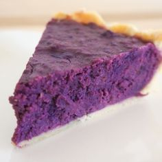Purple Sweet Potato Pie This looks so disgusting I can't even really describe it, but I just want to pin it to remember how disgusting it looks.