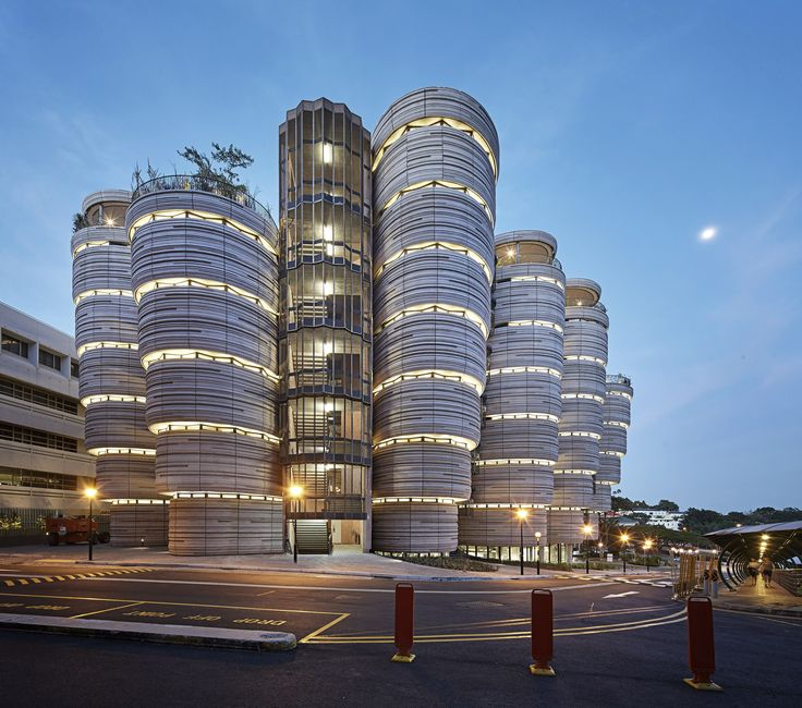 The Learning Hub at Nanyang Technological University (NTU Singapore), designed by Heatherwick Studio and executed by lead architect CPG Consultants, is a new educational landmark for Singapore.