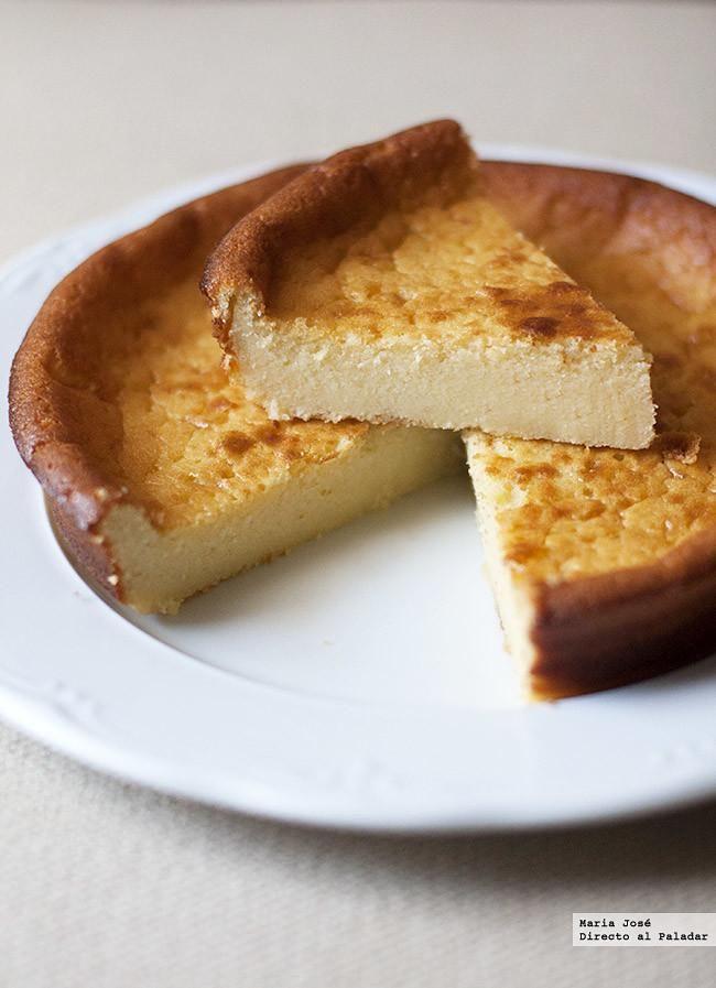 Dulce de mascarpone. Receta con Thermomix. Me ha gustado esta receta de dulce de mascarpone con Thermomix, con una textura a caballo entre un flan y una tarta de queso. Con la ayuda de la Thermomix es facilísima de preparar, pero puede hacerse igualmente con un batidor de varillas eléctrico o cualquier otro robot de cocina.