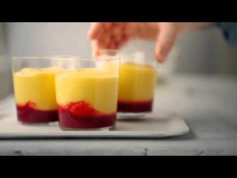 Tuile au citron, mousse à la mangue et framboise - YouTube
