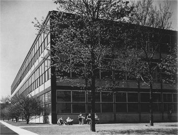 "Wishnick Hall - Illinois Institute of Technology, Chicago, IL, USA (1945-1946)  - Ludwig Mies van der Rohe #Historia #Art #Design | ""We've got to expand our idea of what constitutes beauty from a technical point of view."" —Peter Land, IIT Professor of Architecture, in regard to the importance of restoring Wishnick Hall. Wishnick Hall, originally called Chemistry Building, was Mies' fifth structure on the IIT campus.  (by miessociety.org)"