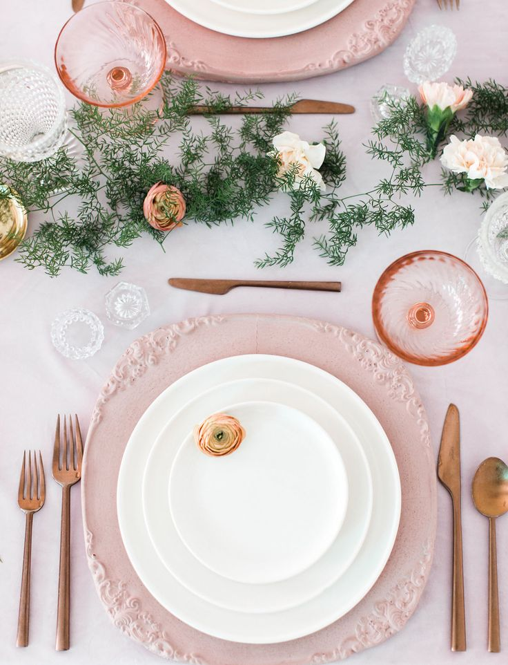 pink tableware with gold accents // modern bridal shower or easter tablescape