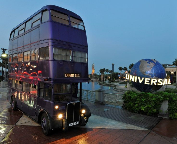 universal studios orlando harry potter - Knight Bus at Universal Orlando, Islands of Adventure.