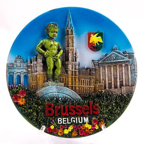 Souvenir Plate: Belgium. Brussels Attractions (Diameter 14 cm)