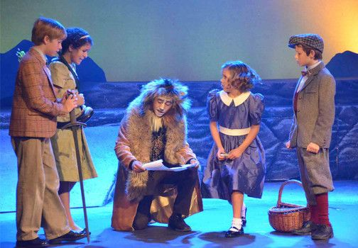 """Andy Wissink as Peter, Alex Kirby as Susan, Brandon Reyes as Aslan, Makenna Jacobs as Lucy and Owen Watson as Edmund in """"Narnia: The Lion, the Witch and the Wardrobe"""" at Valley Youth Theatre - #examiner.com"""