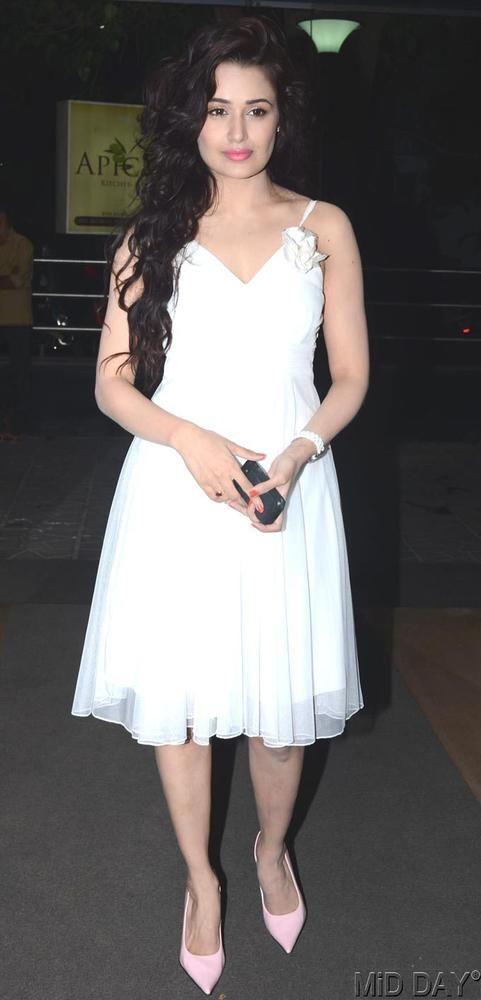 Yuvika Chaudhary at birthday bash of Mahi Vij #Bollywood #Fashion