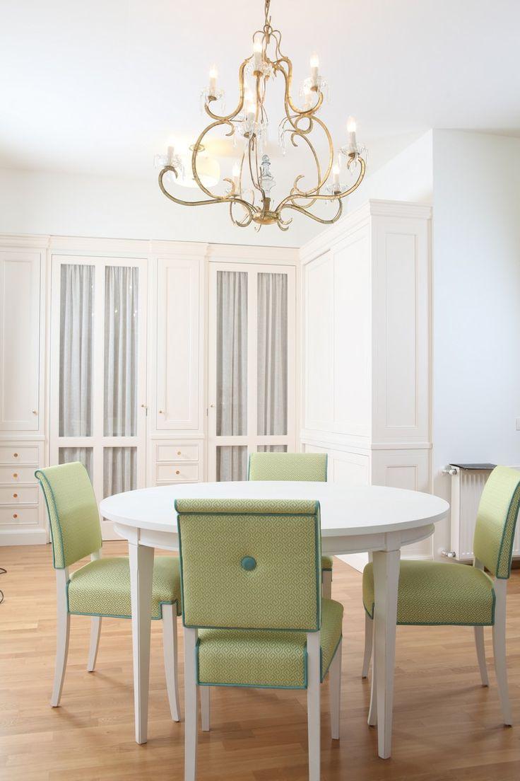 Proiecte Design - La Maison - waldrobe light color - mis en demeure beautiful chair