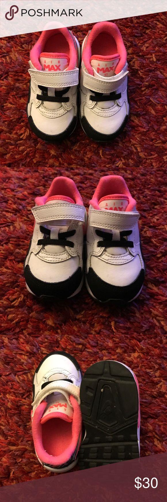 Nike Air Max ST Toddler Girls, Size 6c Nike Air Max ST Toddler Girls,