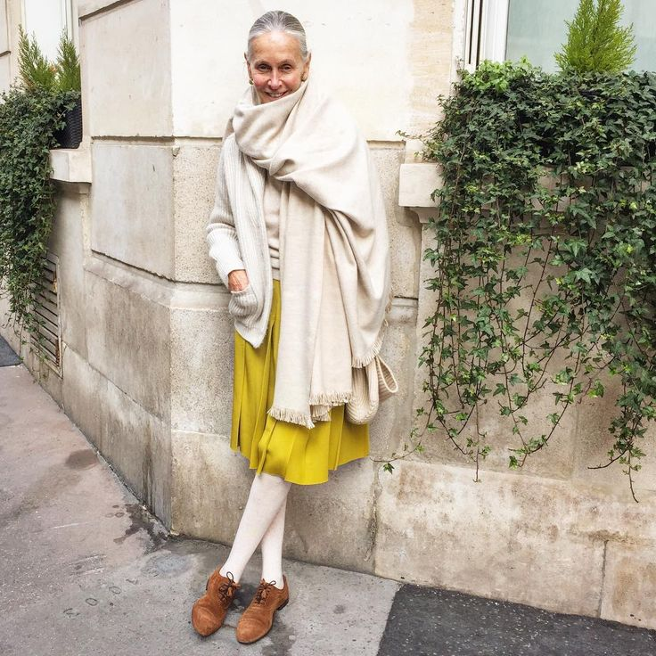 lindavwrightTired of Coats....Bringing out the beige cashmere wraps to warm me 't'il summer sun makes it here.
