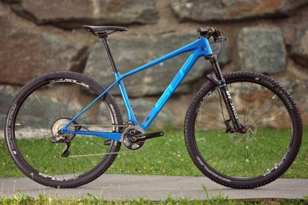Types Of Bikes Hardtail Mountain Bike Mountain Biking Downhill