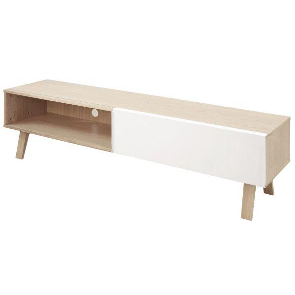 Het tv-dressoir Miso van het merk Fratelli komt helemaal tot zijn recht in een modern en landelijk interieur. Dit is te danken aan zijn houten uitstraling en modern ontwerp. De Miso is uitgevoerd met een schuifdeur gemaakt van staal in een witte kleur. De rest van het dressoir is gemaakt van eiken fineer.