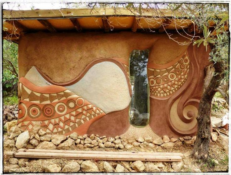 Playing with pigment on cob wall