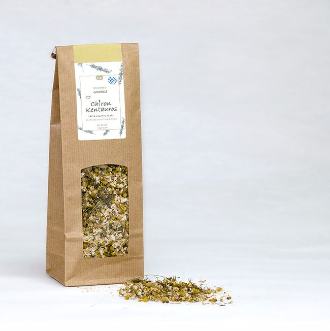 Chamomile is an herb with many medicinal properties. It strengthens the immune system, it is considered anxiolytic and sedative, it has got antispasmodic and anti-inflammatory properties. This tea of chamomile relieves insomnia and encourages a good night's sleep, it reduces anxiety and depression and acts against digestive disorders and menstrual cramps.