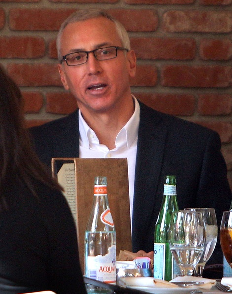 Drew Pinsky Photo - Dr. Drew Pinsky Out For Lunch At The Grove