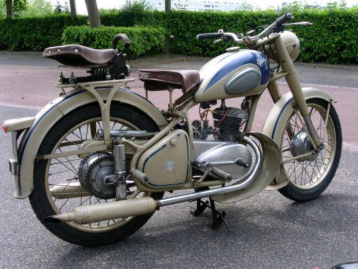 moto peugeot 1954 j 39 aimerai bien en trouver une vintage motorcycles motorcycle old. Black Bedroom Furniture Sets. Home Design Ideas