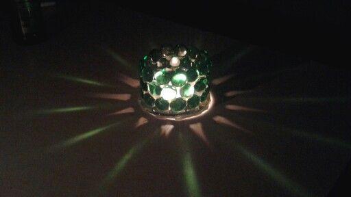 Cool light effect with garden pebbles! DIY Candle Light Effecter: Garden Pebbles, Glass Candle Plate, Hot Glue Gun
