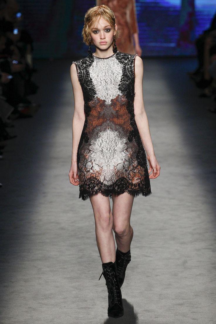 Alberta Ferretti Fall 2016 Ready-to-Wear