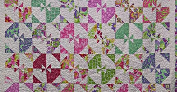 Another Disappearing Pinwheel Quilt? Sign Me Up! | 24 Blocks