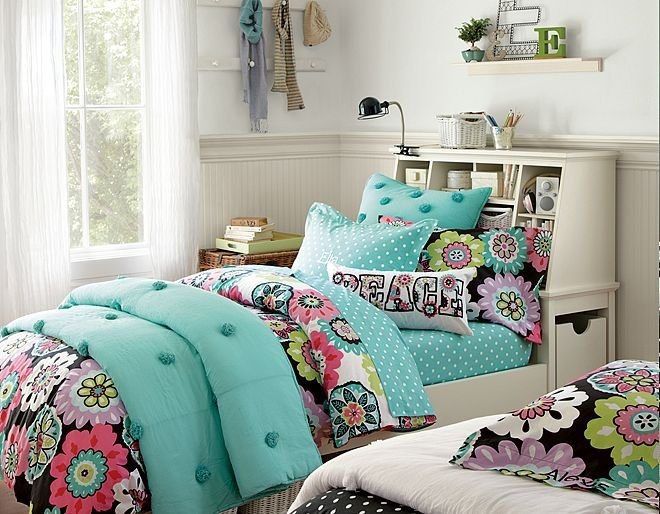 Camilla Crinkle Puff Stuff-Your-Stuff Bedroom