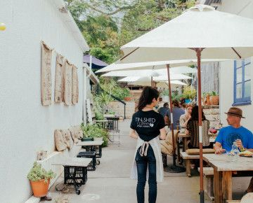 We've zipped along the Blackall Range to bring you this flavour-packed list of the best Sunshine Coast Hinterland cafés.