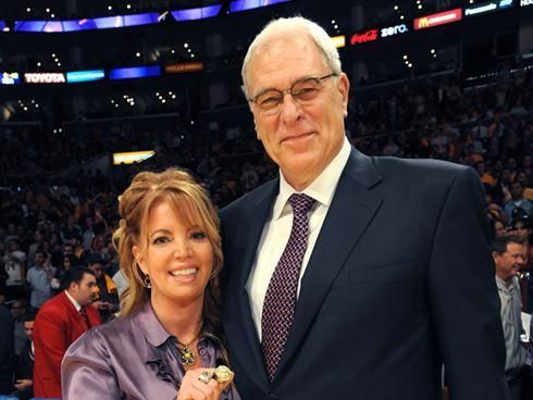 Jeanie Buss Engagement Ring Size
