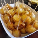 salt and vinegar roasted potato bites...makes a great lil' appy!!!