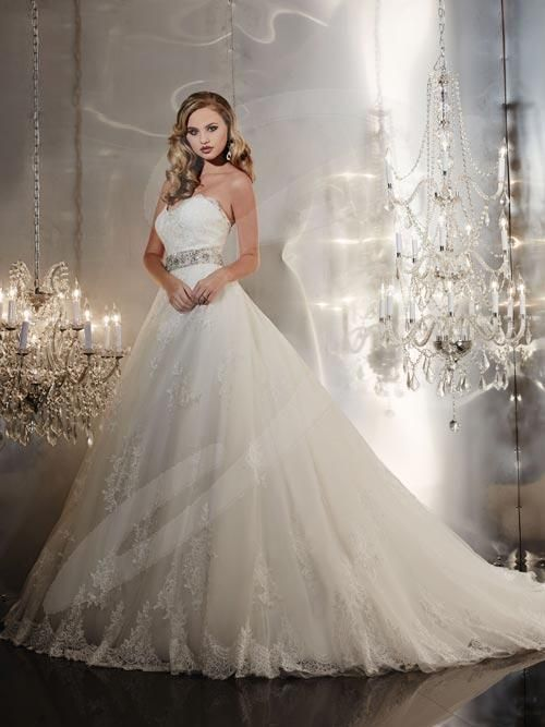 Balletts Bridal - 20489 - Wedding Gown by Jacquelin Bridals Canada -