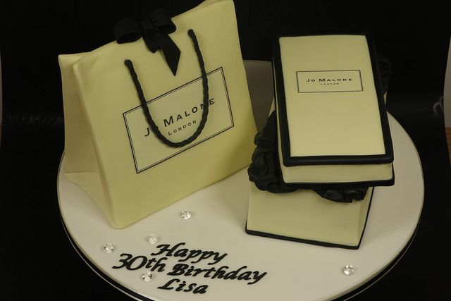 Jo Malone gift box and gift bag cake by Kingfisher Cakes, via Flickr