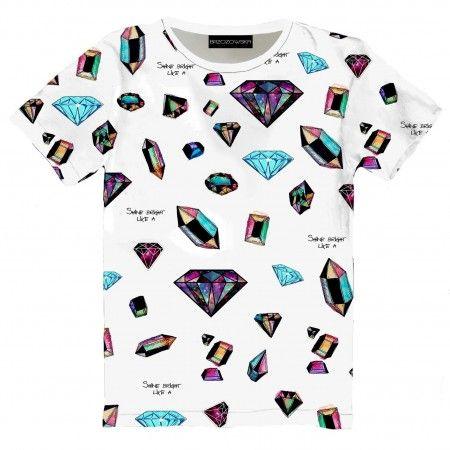 Diamonds T-shirt  #tshirt #streetwear #streetfashion #streetstyle #brzozowskafashion #brzozowska #fashion #print #fullprint #diamonds #white #diamenty #motyw #biały #modauliczna #brylanty #polskistreetwear #koszulka #nadruki #nadruk #autorski #projekt   tshirt available on www.brzozowskafashion.com