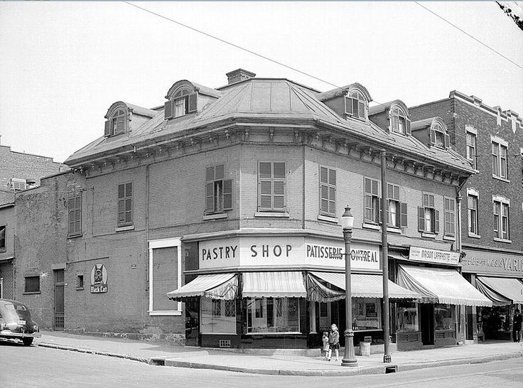 https://flic.kr/p/8UVJdM | Montréal,24 mai 1944 rue Plessis et Sainte- Catherine est.