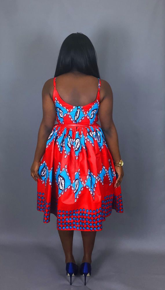 Sometimes less is more, This simple yet classic tea length dress is the perfect dress for just that occasion.In an eye popping royal blue colour and floral pattern is a perfect addition to your wardrobe. XS – Bust:32 Waist: 25 Hips: 35 (US Size:4, UK Size: 8) S – Bust:34 Waist: 27 Hips: 37 (US Size:6, UK Size: 10) M – Bust:36 Waist: 29 Hips: 39 (US Size:8, UK Size: 12) L – Bust: 38 Waist: 31 Hip: 41 (US Size:10, UK Size: 14) XL – Bust:40 Waist: 33 Hips: 43 (US Size:12, UK Size: 16) 1X –…