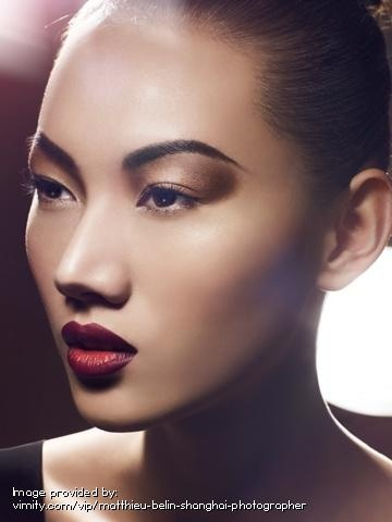 berry lips: Shoes Fashion, Berries Lips, Beautiful, Makeup Art, Dark Lips, Perfect Eyebrows, Beauty, Matthieu Belin, Flawless Skin