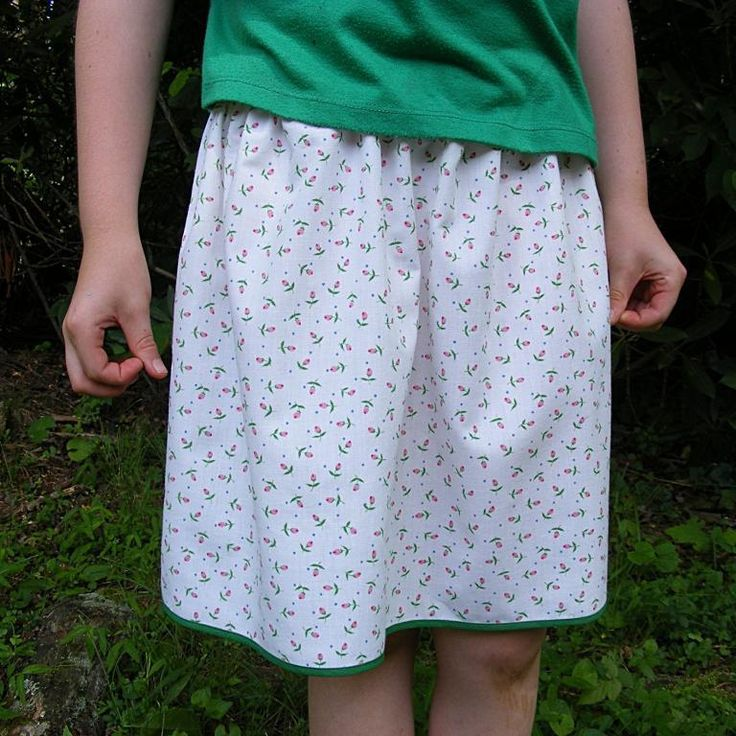 Free Sewing Pattern: The Simplest Skirt: Free Sewing, Skirt Patterns, Crafts Ideas, Sewing Projects, Sewing Ideas, Skirts Patterns, Simplest Skirts, Free Patterns, Sewing Patterns