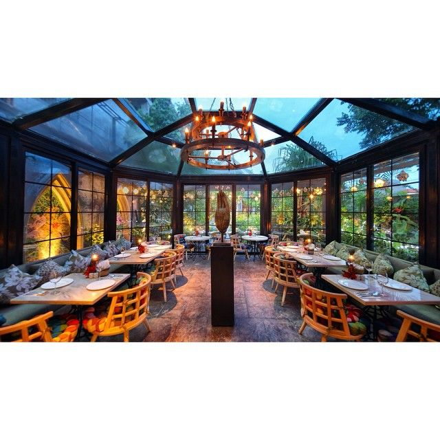 Gardin's glass house #interior #instagood #instadecor #instadesign #interiordesign #decor #archilovers #architexture #architectureporn #architecturelovers #design #designer #luxury #archiporn #architect #lounge #club #nelsonarchitects #cafe #restaurant