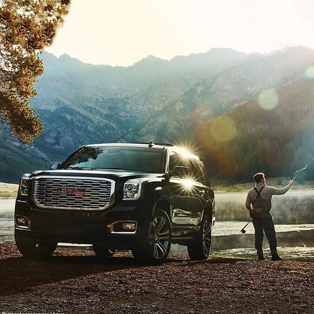 Majestic From Every Angle Yukon Denali Comfort And Functionality Is What The Yukon Is All About Gmc Commandsrespect Moto Gmc Gmc Yukon Denali Gmc Yukon