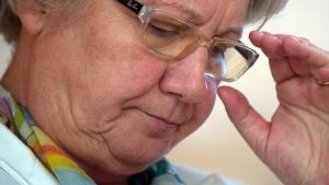 Bundesbildungsministerin Annette Schavan (CDU) denkt offenbar darüber nach, ihr Amt aufzugeben, falls die Universität Düsseldorf Anfang nächsten Jahres beschließen sollte, ein Verfahren einzuleiten, das die korrekte Abfassung von Schavans Doktorarbeit überprüft.
