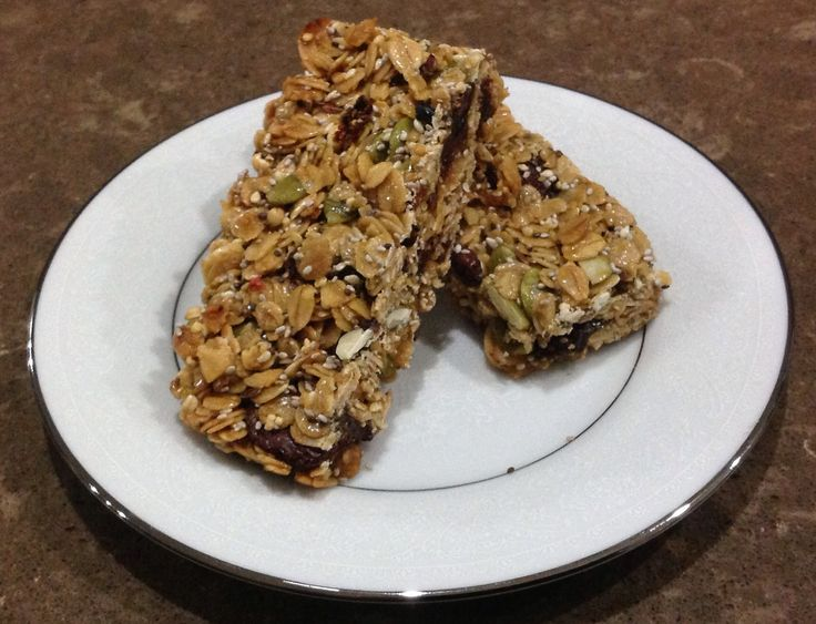 Ingredients 1/2 cup raw honey 1/4 cup coconut sugar 125g butter 1 cup goodMix 3 cups rolled oats 1 cup raisins 1/2 cup pepitas Method Preheat oven to 160c fan forced Grease & line a slice tray Combine honey, sugar and butter in a saucepan over medium heat. Cook, stirring for approx 2 mins & until sugar dissolves. Bring to boil 1 to 2 mins or until syrup thickens slightly. Remove from heat. Combined remaining ingredients in a large bowl. Pour over the hot syrup and stir well. Spoon into…
