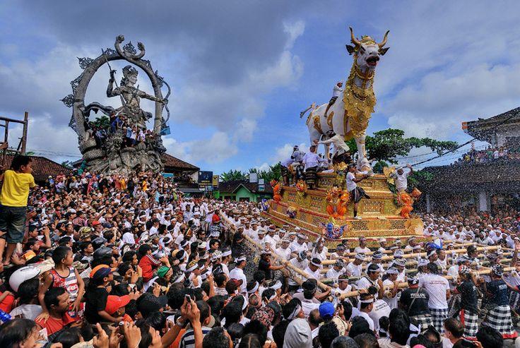 Bali, Indonesia  Ngaben; cremation ceremonie