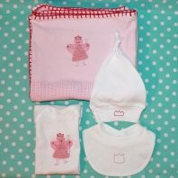 Newborn arrival home outfit for little girls - Cellular blanket with Embroidered fairy, matching babygro, bib and beanie