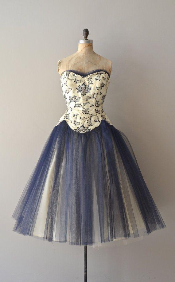 vintage 1950s dress   Middle Kingdom dress