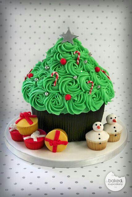 Giant cupcake - christmas