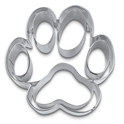 Animal Cookie Cutters - Cookie Cutter Dog Paw Stainless Steel from Fancy Flours - because I like to make treats for my dog and am tired of the ordinary bone cookie cutter - this would be really cute
