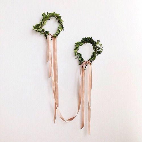 feminine holiday wreaths
