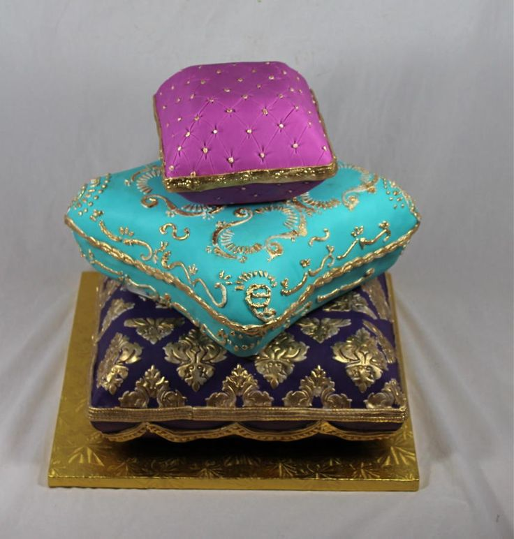 pillow traditional wedding cakes 43 best images about s indian princess amp peacock 18513
