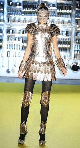 Космическая мода: наряды из будущего : / фото 11