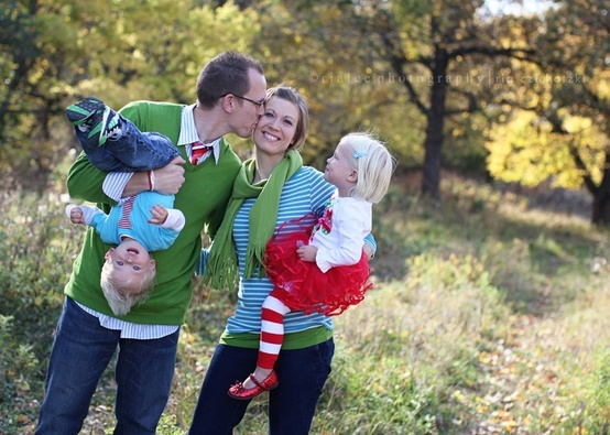 family picture ideas - Google Search - Click image to find more Photography Pinterest pins