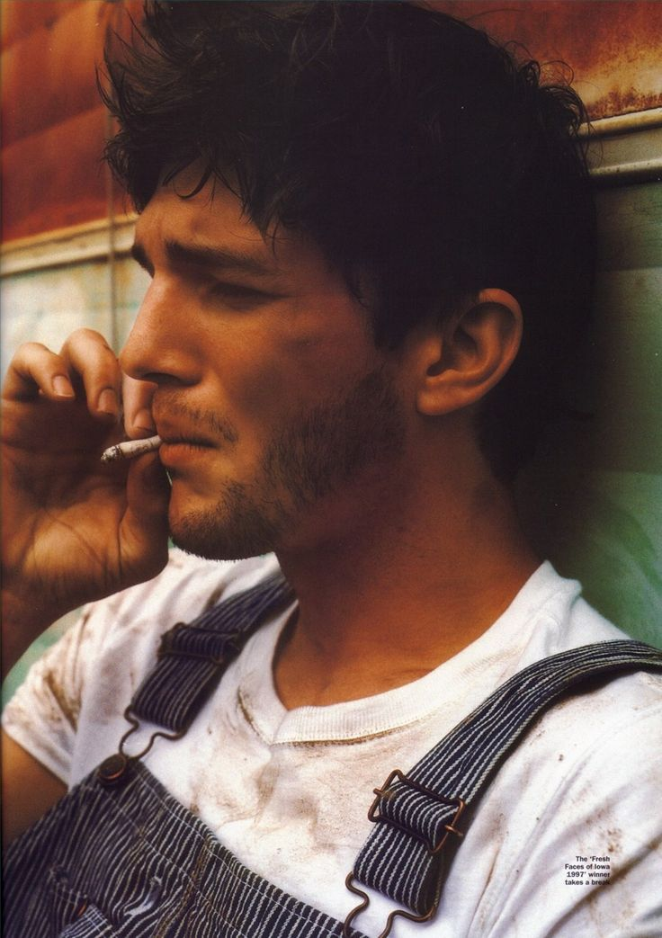 Men In Overalls Are Sexy : Ashton Kutcher